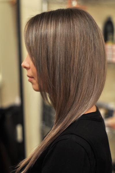 Greyish pearl hair colour