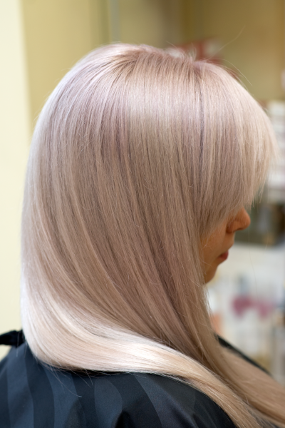 Blond toning with grayish red colour