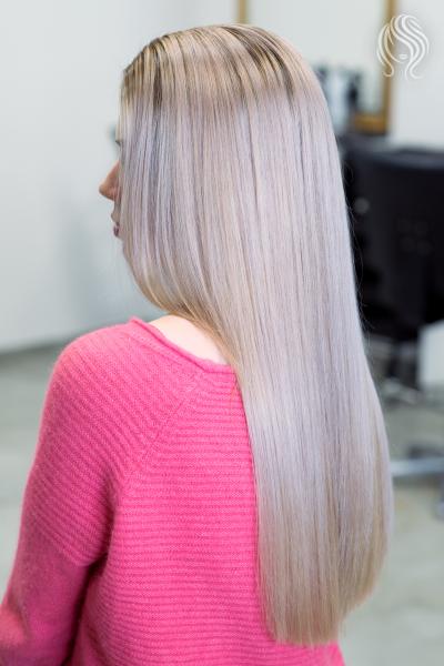 Hair hightlights and pearl shade