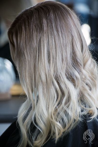 Balayage roots colouring in cold colour