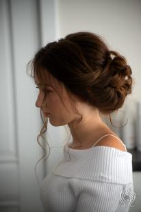 Romantic hair style